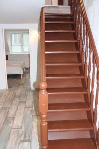 Three-Bedroom Apartment on Peldu 19, Apartmanok  Riga - big - 8