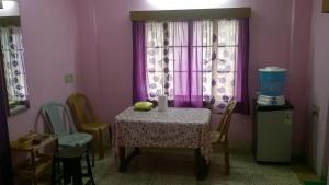 Cozy Apartment in South Kolkata