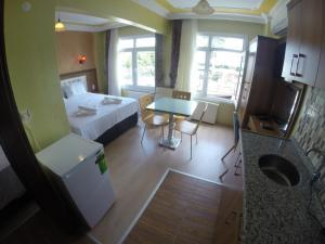 Arat Apartments, Апарт-отели  Стамбул - big - 88