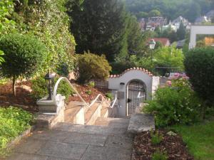 Haus Sahlbach, Ferienwohnungen  Baden-Baden - big - 9