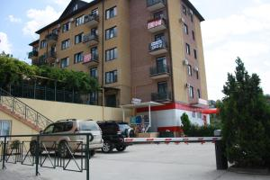 Apartments on Molodogvardeyskaya, Ferienwohnungen  Sochi - big - 8