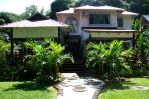 Sky Hideaway villa