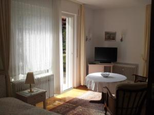 Haus Sahlbach, Appartamenti  Baden-Baden - big - 23