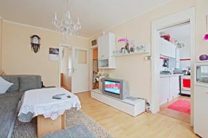 (Private Apartment Sauerbruchweg (4941))