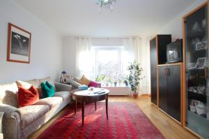 (Private Apartment Einsteinstrasse (5354))