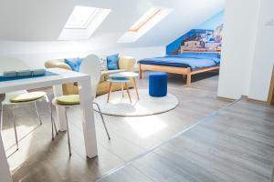 Studio Apartment Blue - фото 4