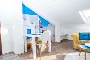 Studio Apartment Blue - фото 13