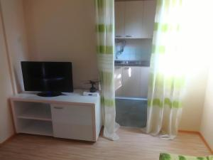 Karali Apartments, Apartmány  Lagadin - big - 17