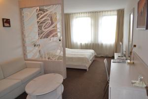 Hotel Slamený dom, Hotely  Košice - big - 11
