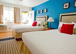 The Alpine Inn & Suites