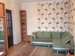 Apartment on Trekhsvyatitelskaya 9