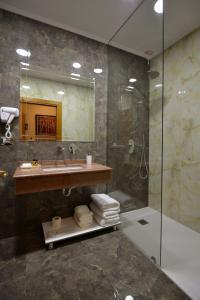 Hotel Austria, Hotely  Tirana - big - 18