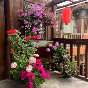 Lijiang Shuhe Qingtao Inn, Penziony  Lijiang - big - 71