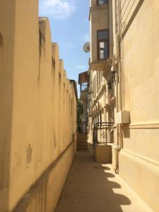 Апартаменты Icherisheher with Yard - фото 7