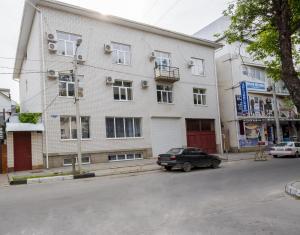 (Guest house on Krasnozelyoniy street)
