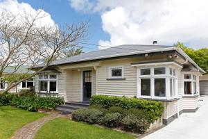 Marys Villa - Christchurch Holiday Homes