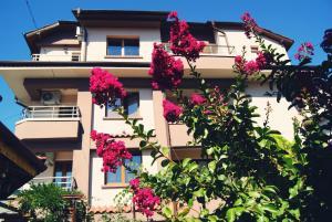 Kastela Guest House