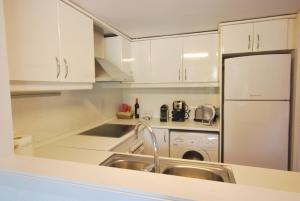 Fraternitat SDB, Apartmanok  Barcelona - big - 3