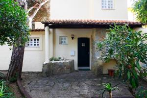 (Cozy Golf Villa in Cascais)