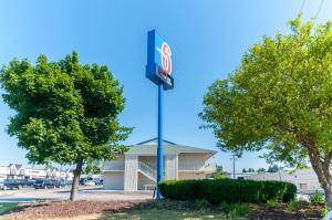 Motel 6 - Farmington Hills-Detroit Northwest