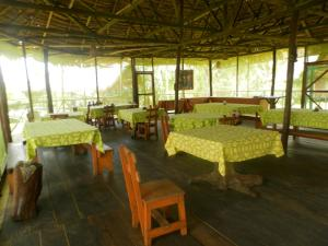 Amazon Eco Tours & Lodge, Хостелы  Santa Teresa - big - 42