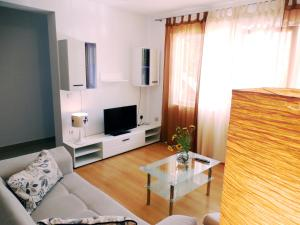 Orange Bamboo Suite