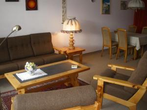 Alpen-Fewo, Residenza Quadra 115, Appartamenti  Flims - big - 4