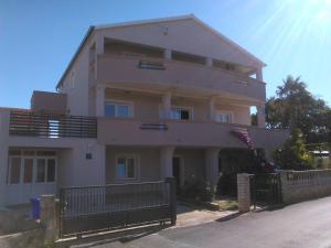 Juric Apartments