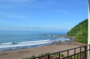 Oceanfront Ocean View Condo
