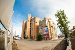 (Apartment On Baykalskaya 244/5)