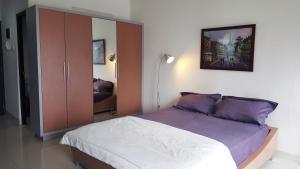 (Cozy Apartment Tamansari Semanggi Jakarta)