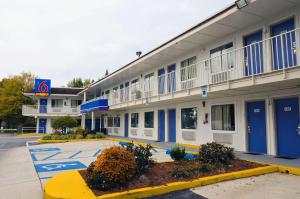 Motel 6 Camp Springs