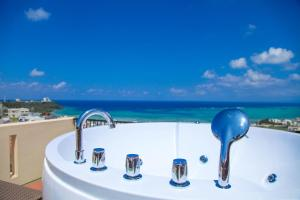 First Street Okinawa Yomitan-son Oceans, Апартаменты  Yomitan - big - 1