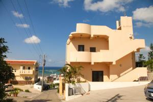 First Street Okinawa Yomitan-son Oceans, Апартаменты  Yomitan - big - 34