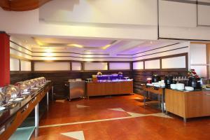 Hotel Park Residency, Kakkanad, Hotels  Kakkanad - big - 9