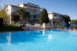 Prenota Hotel Porto Azzurro
