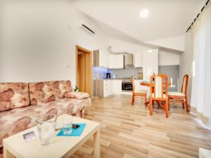Fluctus Apartments, Appartamenti  Brodarica - big - 29