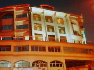 (Hotel Safar Inn)