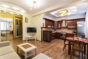 Апартаменты На Романовской Слободе