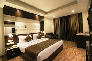 Hotel Golden Grand, Отели  Нью-Дели - big - 63