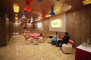 Hotel Golden Grand, Отели  Нью-Дели - big - 51