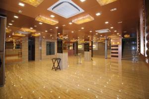 Hotel Golden Grand, Отели  Нью-Дели - big - 47
