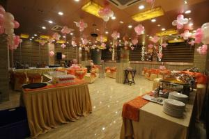 Hotel Golden Grand, Отели  Нью-Дели - big - 45