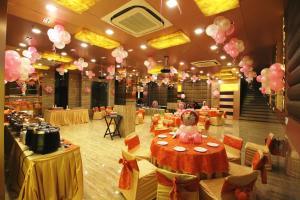 Hotel Golden Grand, Отели  Нью-Дели - big - 44
