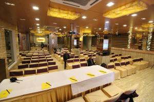 Hotel Golden Grand, Отели  Нью-Дели - big - 54