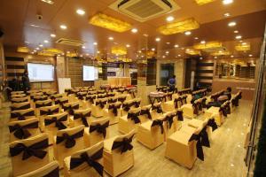 Hotel Golden Grand, Отели  Нью-Дели - big - 55