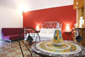 B&B Maia House, Bed and Breakfasts  Santo Stefano di Camastra - big - 1