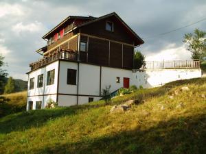 Villa AdiArt