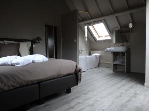 B&B Castel 't Haantje, Bed & Breakfast  Ruiselede - big - 5