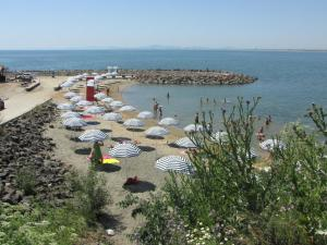 Beach Pool and Spa Apartment in Marina Cape, Apartmány  Aheloy - big - 13